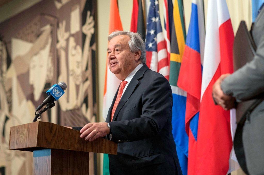 联合国秘书长古特雷斯在纽约总部向记者发表谈话。(资料图片)