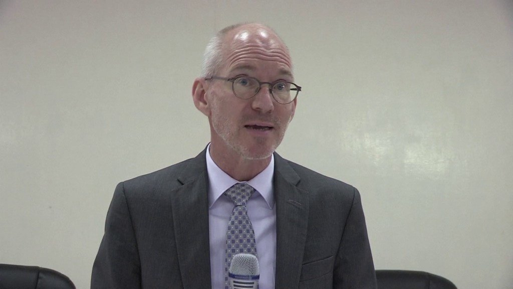 الممثل الخاص للأمين العام في الصومال، جيمس سوان.