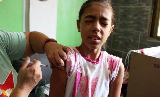 A OMS recomenda que os países mantenham a cobertura de vacinas num mínimo de 95%.