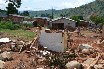 """احتجاجات في زيمباوي أغسطس 2019،  بسبب الأزمة الاقتصادية """"التي تفاقمت مع تأثير إعصار إيداي الذي ضرب البلاد وتأثرات الجفاف الناجم عن ظاهرة النينو""""."""