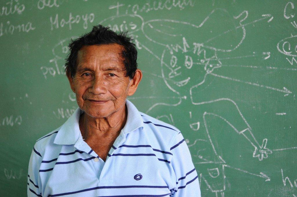 Un maestro del proyecto para recuperar la tradición oral y la lengua mapoyo