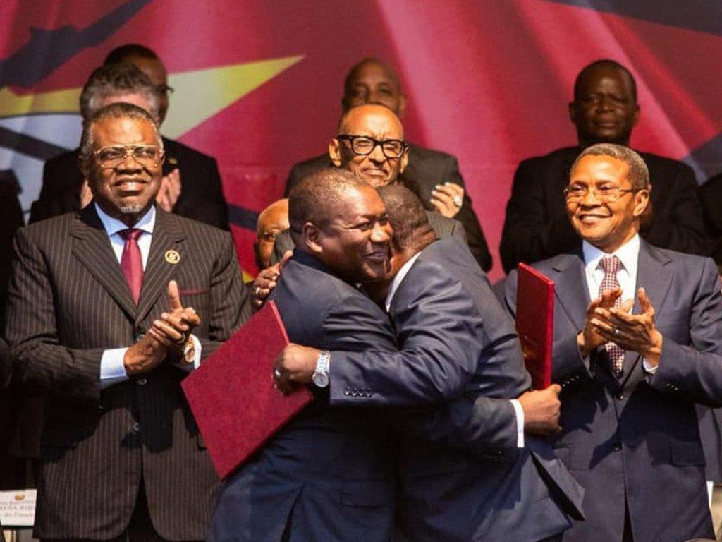 Mkataba wa amani na maridhiano nchini Msumbiji ulitiwa saini mjini Maputo kati ya Rais Filipe Nyusi na kiongozi wa chama cha RENAMO Ossufo Momade na kushuhudiwa na wageni mashuhuri.