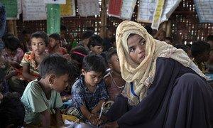 孟加拉国罗兴亚难民营今天首次报告两例新冠病毒确诊病例。(资料图片)