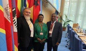 Diretor do Instituto de Higiene e Medicina Tropical, professor Paulo Ferrinho, ministra Magda Robalo  e o diretor executivo da Parceria de Estudos Clínicos Europeus e de Países em Desenvolvimento, Michael Makanga.