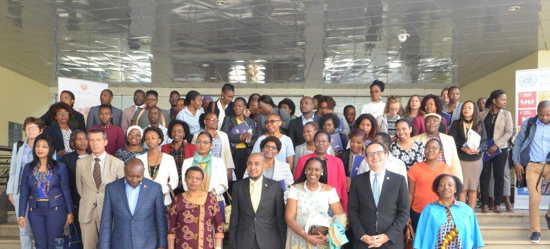 Participantes da apresentação da iniciativa que promove o empoderamento feminino em Moçambique.