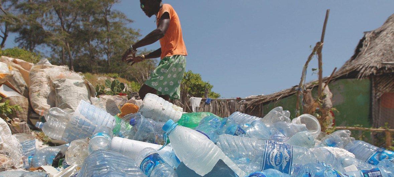 poluição por plástico está totalmente descoordenada e é preciso unir esforços