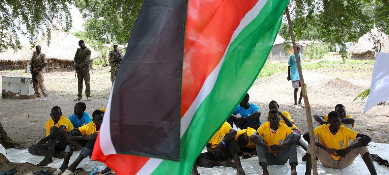 随着南苏丹继续努力实现和平,2019年7月南苏丹释放了儿童兵。