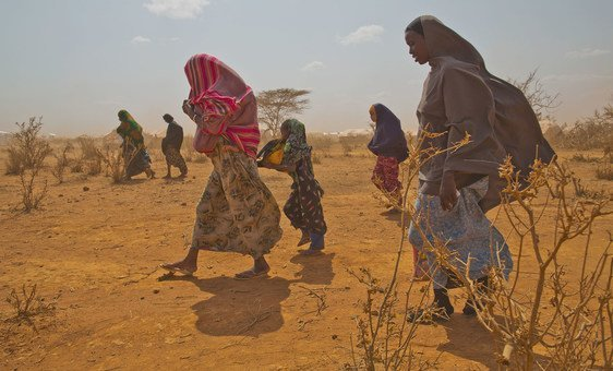 Refugiados da Somália no campo de refugiados de Burumino na Etiópia