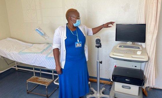 Dr. Nomonde Ndyalvan began moving   astatine  the Sinawe Centre successful  2002.