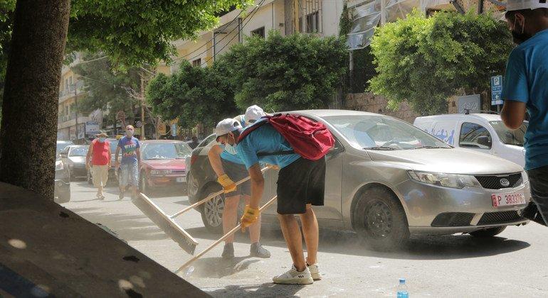 Beirut's youth rebuild the Lebanese capital, brick by brick