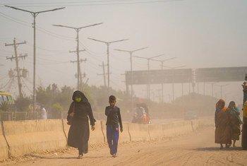 La pollution de l'air à Dhaka, au Bangladesh, entraîne une série de problèmes de santé pour les habitants de la ville.