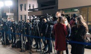 Des journalistes réunis lors d'un événement en Moldavie, en Europe.