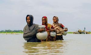 Millones de personas en Bangladesh se han visto afectadas por impactos climáticos como las inundaciones.