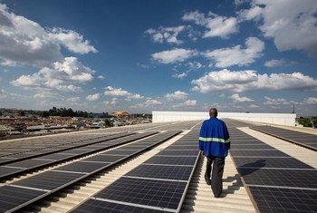 जलवायु कार्रवाई के तहत नवीकरणीय ऊर्जा के उपयोग को बढ़ावा दिये जाने को अहम बताया गया है.