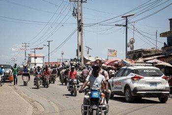 En países con escaso acceso a las vacunas contra el COVID-19, como Haití u Honduras, la pandemia está expandiéndose. En la imagen, una panorámica de Cap Haitien, ciudad en norte de Haití.