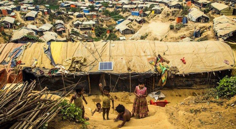位于孟加拉国考克斯巴扎尔的罗兴亚难民营。