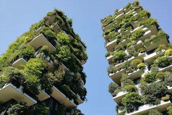 Floresta vertical em Milão, Itália, também na lista das cidades comprometidas com o futuro da vida sustentável.