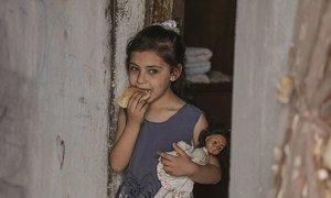 ООН и ее партнеры предоставляют гуманитарную помощь жителям сектора Газа, в том числе – электронные талоны на питание.