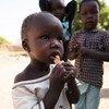 طفل يبلغ من العمر 17 شهرا تم علاجه من سوء التغذية الحاد في مركز التغذية الذي تدعمه اليونيسف في مدينة أويل بجنوب السودان.