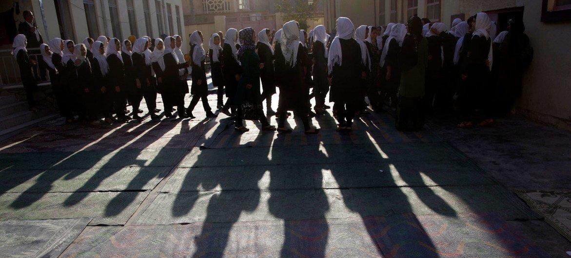Obra de teatro en una escuela de Herat, al este de Afganistán (Foto de archivo).
