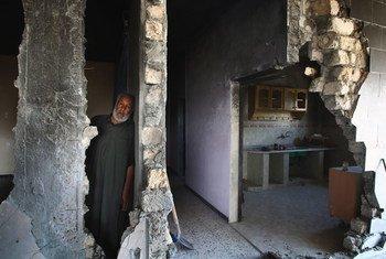 लीबिया में लड़ाई के दौरान, आम लोगों को सबसे ज़्यादा तबाही का सामना करना पड़ा है.