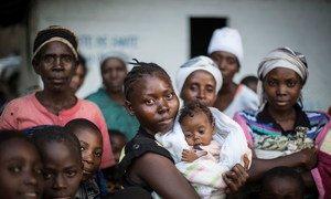 डीआरसी के दक्षिण किवु प्राँत में यूएनएचसीआर के एक पारगमन केंद्र में बुरुंडियन शरणार्थी.