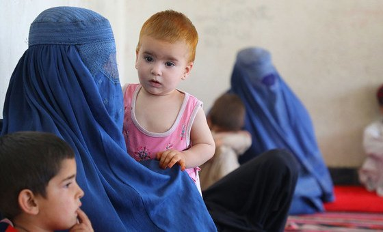 More than 400 families from Kunduz, Sar-e Pol and Takhar provinces have taken shelter in a high school in southern Kabul.