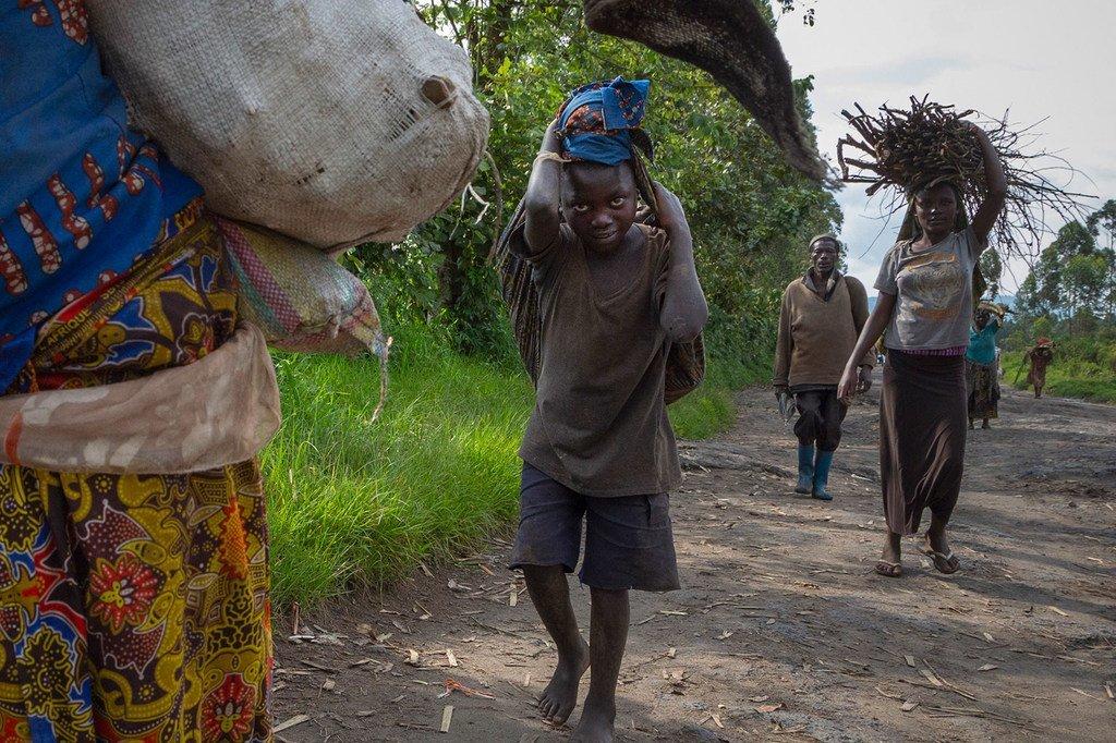 La violence des milices menace des millions d'enfants déplacés en Répubiique démocratique du Congo.