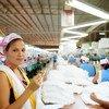 По мнению экспертов МОТ, у женщин меньше шансов найти работу после пандемии, чем у мужчин.