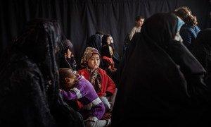 Une communauté d'une région isoléee de l'Afghanistan dépend de cliniques mobiles gérées par des agences humanitaires pour recevoir des soins de santé primaires.
