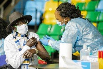 تتراجع حالات الإصابة بفيروس كوفيد -19 في أفريقيا، بما في ذلك دول مثل رواندا.