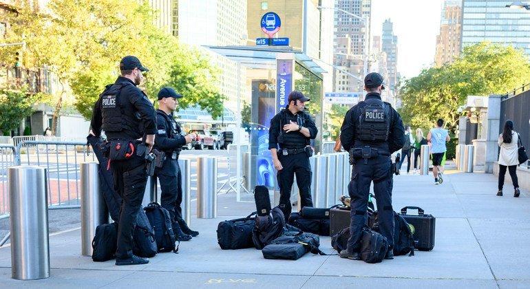 यूएन महासभा के वार्षिक सत्र के लिये न्यूयॉर्क में सुरक्षाकर्मी मुस्तैद हैं.
