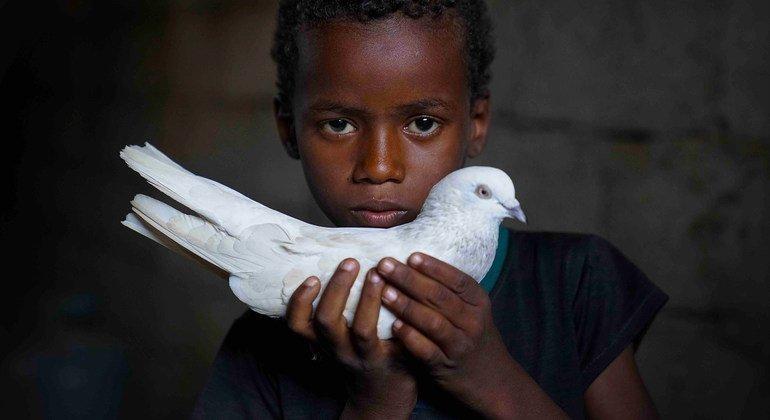 Abdullah, sept ans, a été déplacé par le conflit qui dure depuis cinq ans au Yémen.