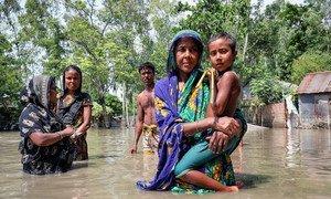 دمرت الفيضانات في بنغلاديش المنازل في القرى النائية في إسلامبور.