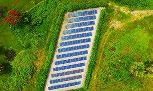 Painéis solares usados no Camboja para ajudar a atender a demanda de energia do país