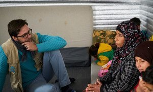 Jean-Nicolas Beuze rencontre une Syrienne dans un camp de réfugiés en Jordanie, en 2017.