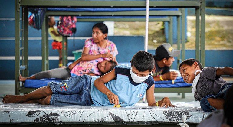 Los indígenas venezolanos Warao en Brasil han sido trasladados a un lugar seguro en Manaos durante la pandemia de coronavirus