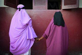 Sobreviventes de violência sexual em uma associação em Mogadíscio, na Somália.