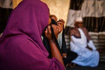 索马里摩加迪沙,强奸罪行受害者在一场由女性权益组织举办的活动上讲述自己的遭遇。