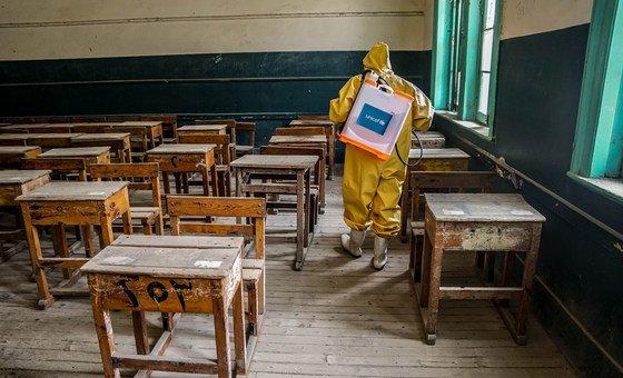В ООН призывают открыть школы. На фото: школа в Египте