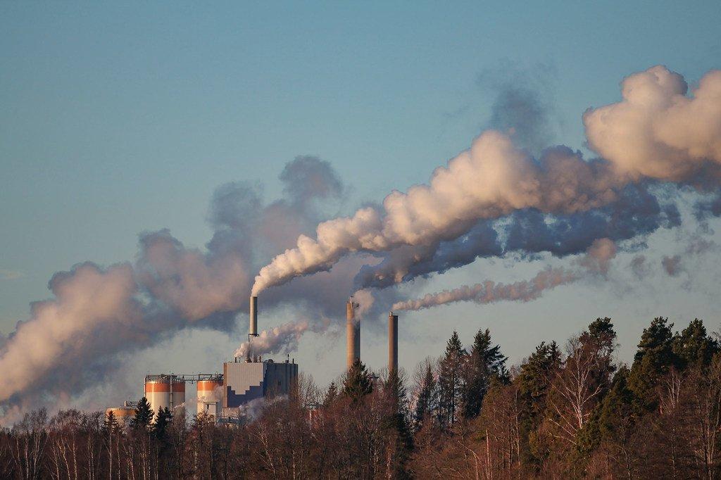 Les gouvernements nationaux sont les principaux moteurs du changement pour réduire les émissions nocives.