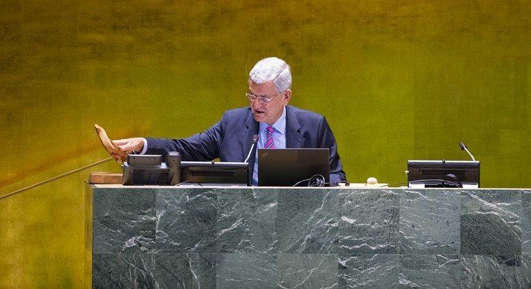 من الأرشيف: فولكان بوزكير رئيس الدورة الخامسة والسبعين للجمعية العامة للأمم المتحدة، في قاعة الجمعية العامة.