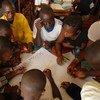 काँगो लोकतान्त्रिक गणराज्य में एक शान्ति स्कूल के छात्रों को आईसीसी के ट्रस्ट फ़ण्ड पीड़ित सहायता कार्यक्रम से सहायता.