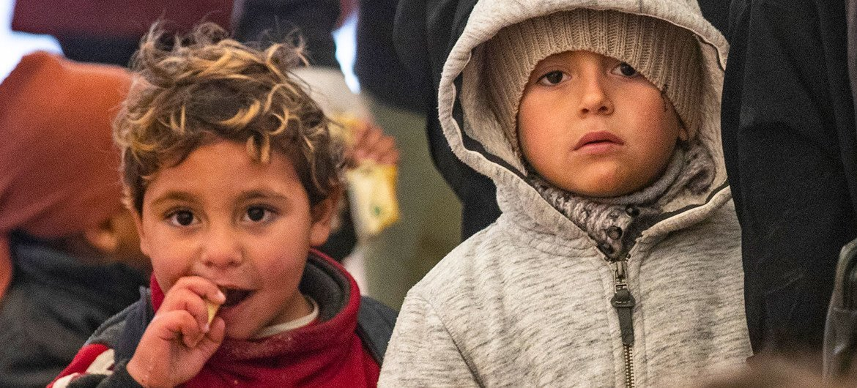 随着寒冷天气的到来,叙利亚东北部霍尔营地弱势儿童的需求越来越大。