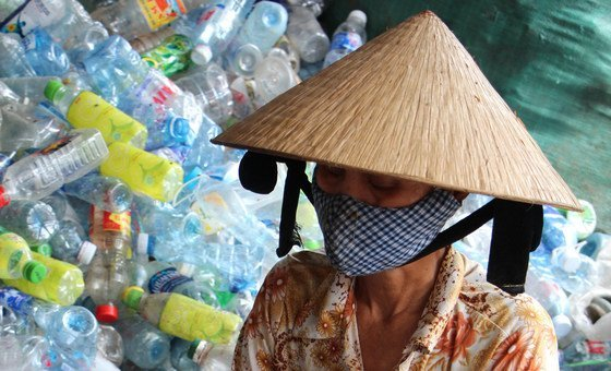 People are progressively  progressive   successful  integrative  discarded  absorption   astatine  a  assemblage  level   successful   Viet Nam.