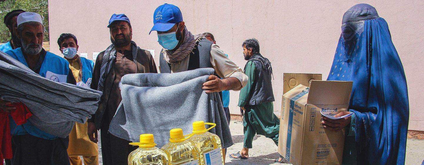 Mais de meio milhão de pessoas foram deslocadas durante a ofensiva  no Afeganistão