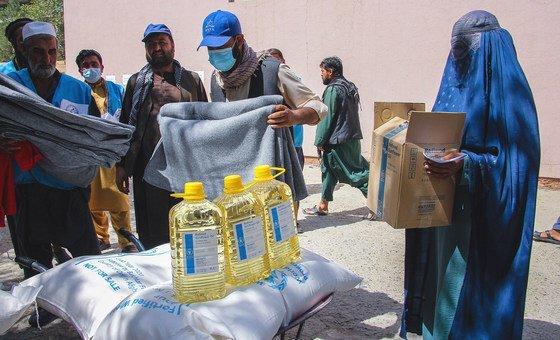 Учреждения ООН оказывают афганцам помощь в крайне сложных условиях.