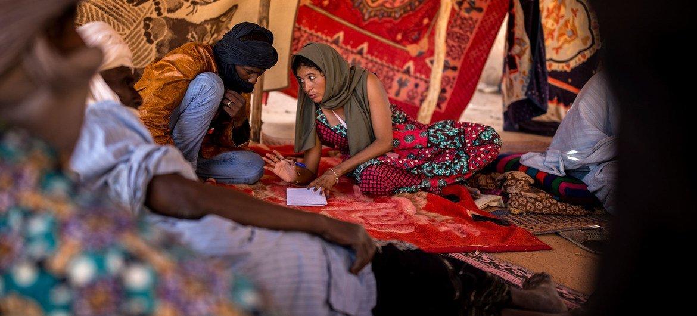 مسؤولو حقوق الإنسان يحققون في انتهاكات لحقوق الإنسان في إقليم ميناكا في مالي.
