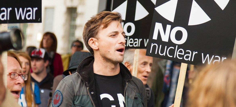 英国抗议者示威反对核武器。(档案)