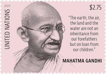 संयुक्त राष्ट्र के डाक विभाग ने महात्मा गाँधी की 150वीं जयंती के अवसर पर एक नया डाक टिकट जारी किया है. महात्मा गाँधी का जन्म दिन 2 अक्तूबर अंतरराष्ट्रीय अहिंसा दिवस के रूप में मनाया जाता है.